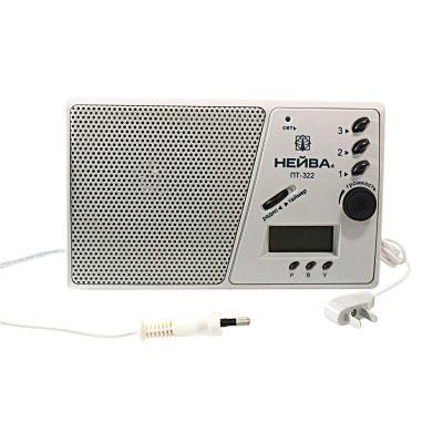 Радиоприемник Нейва ПТ 322, 9966 используется для воспроизведения трех программ.