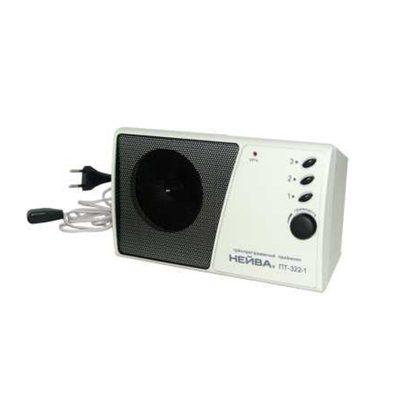 Радиоприемник Нейва ПТ 322-1 9966 используется для воспроизведения трех программ.