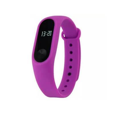 Смарт-часы в фиолетовом цвете применяют для занятий фитнесом и включают множество полезным функций.