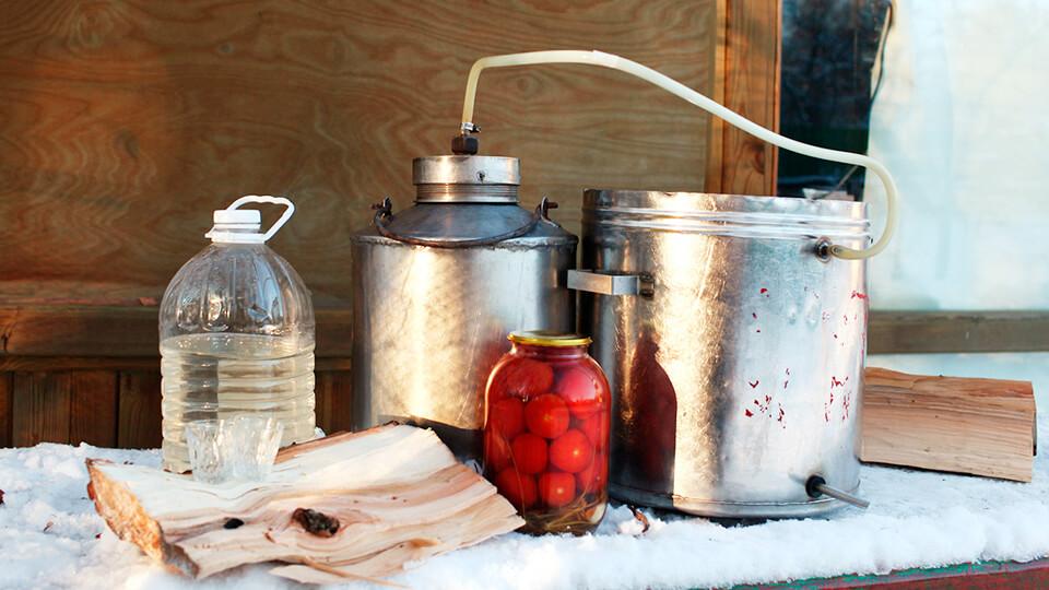 Как сварить чистый самогон в домашних условиях при помощи самогонного аппарата. Этапы самогоноварения